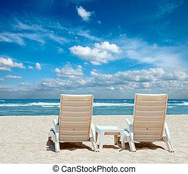 2, 太陽, 浜の 椅子, 上に, 海岸, 近くに, 海洋
