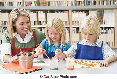 2, 生徒, 中に, 芸術クラス, ∥で∥, 教師