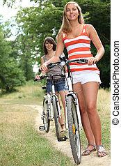 2, 십대 소녀, 자전거를 타는 것, 공원안에