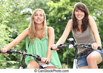 2, 십대 소녀, 자전거를 타는 것, 시골의