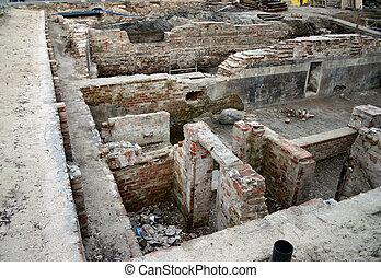 #2, archéologie