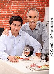 2 bábu, alatt, egy, étterem