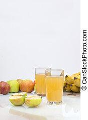 2, glasses, Apple juice, juice, apples, bananas, fruit,