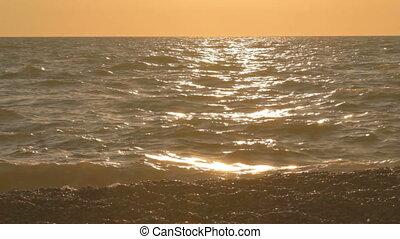 2 IN 1 Sea waves hitting coastline