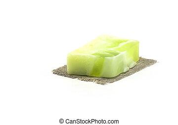 2, sabonetes, fruta