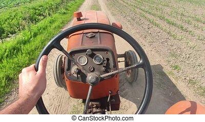 2, tracteur ferme, vieux