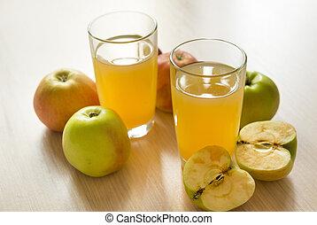 2, two, glasses, Apple juice, juice, apples, fruit, drink, whole Apple, cut in half Apple