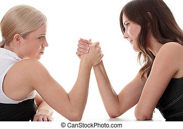 2 women, kézbesít, verekszik