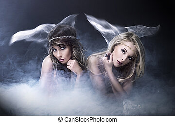 2 women, szeret, sziréna
