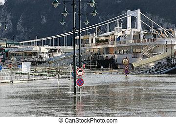 2006, översvämning, ungern, budapest