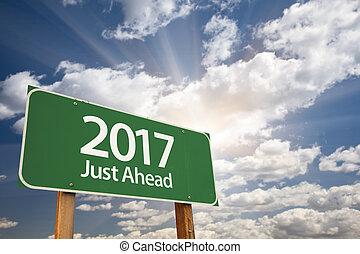 2017, juste, devant, vert, panneaux signalisations, contre, nuages