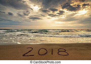 2018, написано, на, , песок, of, , пляж, путешествовать, 2018, новый, год, концепция