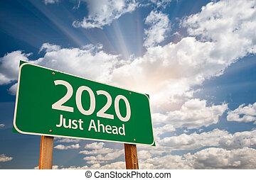 2020, verde, sinal estrada, sobre, nuvens