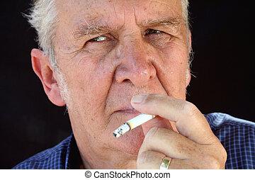 3 , καπνιστής