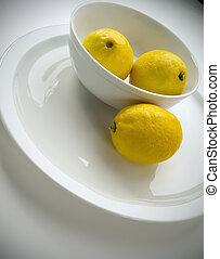 3 個レモン