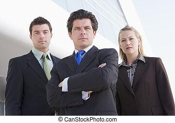 3, 실업가, 서 있는, 옥외, 얼마 만큼, 건물