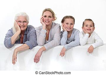 3 nemzedék, nők