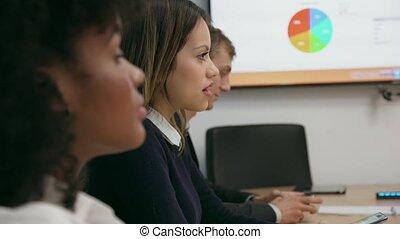 3 persone, in, ufficio, stanza conferenza, riunione, per, affari