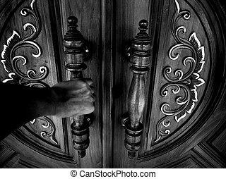 3 The door of the dark hand