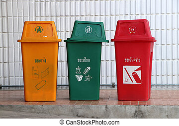 3 trash of waste separation to protect the environment.