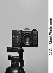 35mm slr camera on the tripod