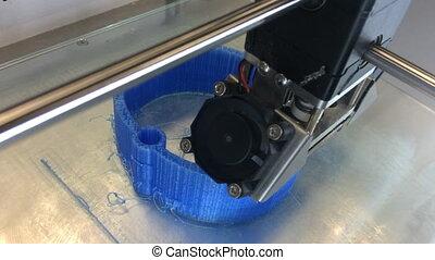 3D printing machine at work