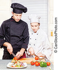 3º edad, chef, enseña, chef joven, a, apropiadamente, corte