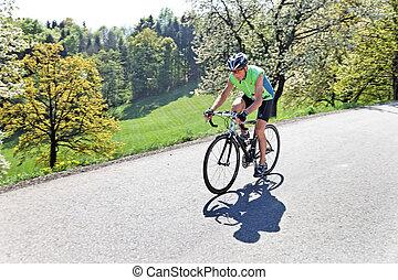 3º edad, montar una bicicleta, en, un, bicicleta camino