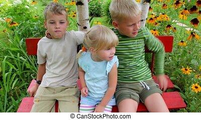 4, посадка, kids, двор, скамейка
