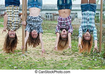 4, 公園, 女の子, 若い, 下方に, 上側, 掛かること