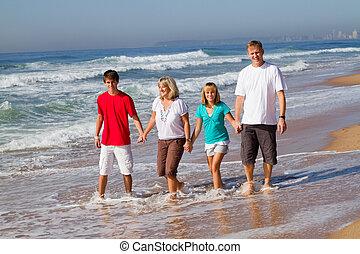 4, 浜, 家族