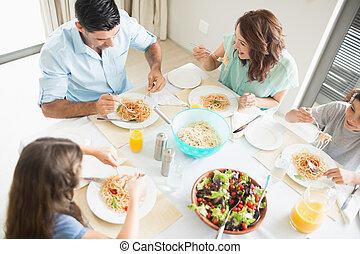 4, 食事をしているテーブル, 家族, モデル