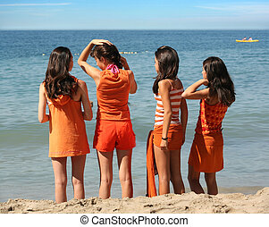 4 lány, tengerpart