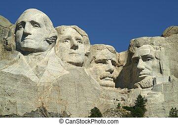 4 Presidents at Mount Rushmore National Memorial