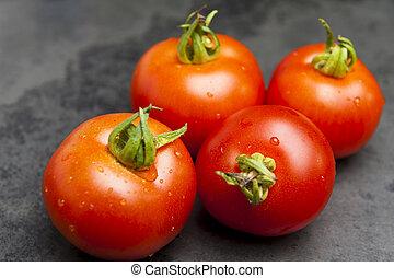 4 ripe Tomatoes