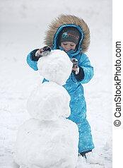 sculpts snowman