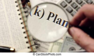401k, plan, is, gekijkenene, met, magnifier., pensioen,...