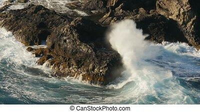 4K, Dramatic water waves splashing