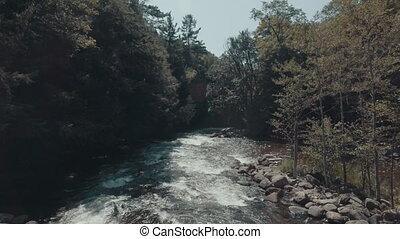 4k, establishing, αόρ. του shoot , από , rapids.