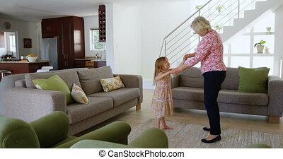 4k, grand-mère, petite-fille, salle, vivant, danse