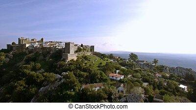 4k, luftaufnahmen, flug, entlang, der, schöne , castillo, de, castellar, andalusien, spanien