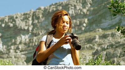 4k, randonneur, femme, numérique, cliqueter, photos,...