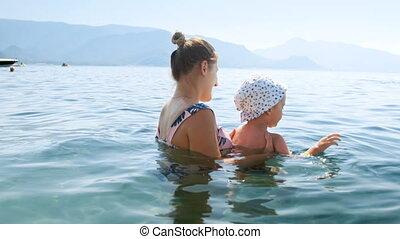 4k, video, von, glücklich, junge frau, schwimmender, mit,...