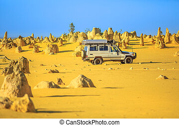 4WD Pinnacles Drive - Four-wheel-drive car on Pinnacles...