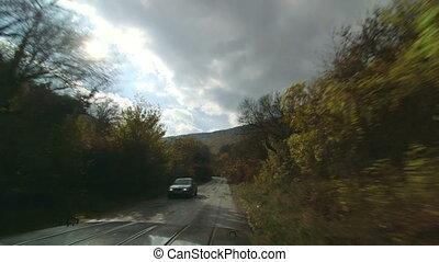 4x4, geleider, op, berg straat, door, bos, in, herfst
