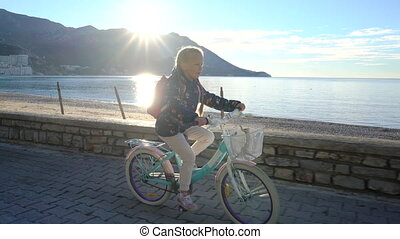 6, 낡았던 년, 소녀, 타는 것, a, 자전거, 에, 학교, 에서, 그만큼, 아침, 계속 앞으로, 그만큼,...