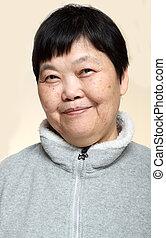 60, senior, aziatische vrouw