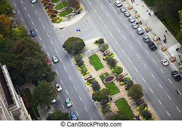 610, straat verbindingspunt, met, voertuigen, en, bomen