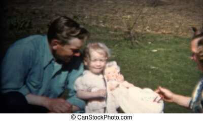(8mm Vintage) 1952 Dad Mom & Baby