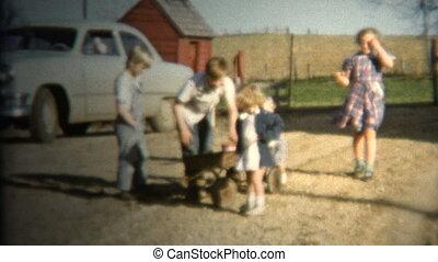 (8mm Vintage) 1952 Farm kids